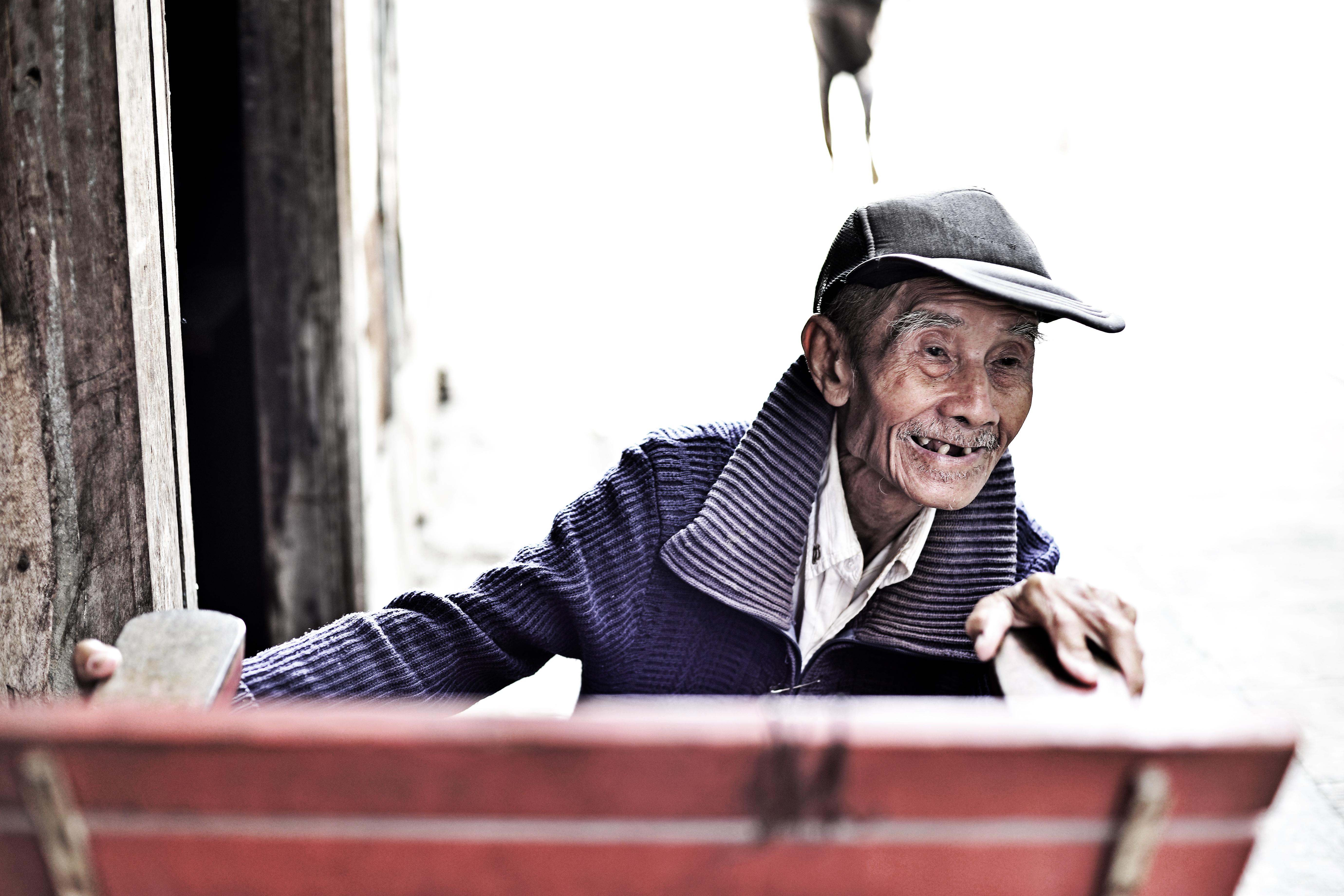 Amphawa Man 2 - 100 years old