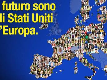 """Renzi a Milano """"Il futuro si chiama Stati Uniti d'Europa""""."""