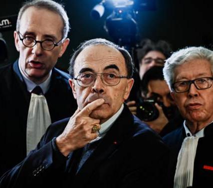 france-le-cardinal-barbarin-a-lheure-du-