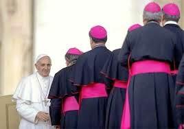 Riforma del Vaticano: il Papa appare isolato