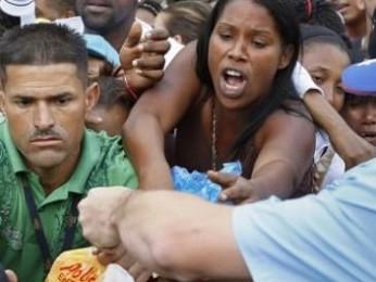 Venezuela: si aggrava la crisi umanitaria. Mentre USA e UE aspettano di far crollare Maduro