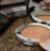 cosmetics-2116386_1920.jpg