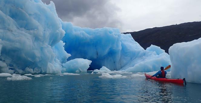 Patagonie_iceberge_kayak