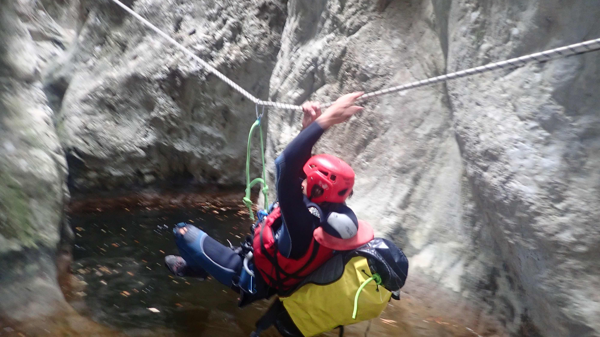 packraft_canyoning_Verdon_tyrolienne