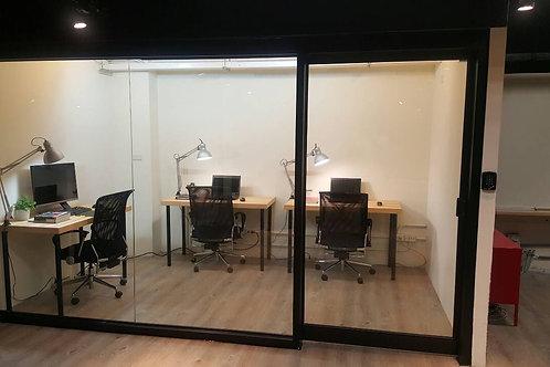 3~4人小團隊辦公室