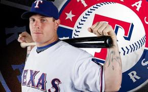 Ex jugador de la MLB Josh Hamilton es acusado de golpear a su hija.