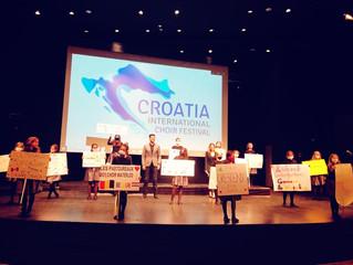 17 zborova s 4 kontinenta oduševili u Lisinskom!
