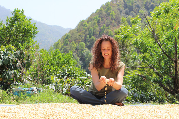 Melanie, her coffee and the Sambhav foundation from CH to Nepal