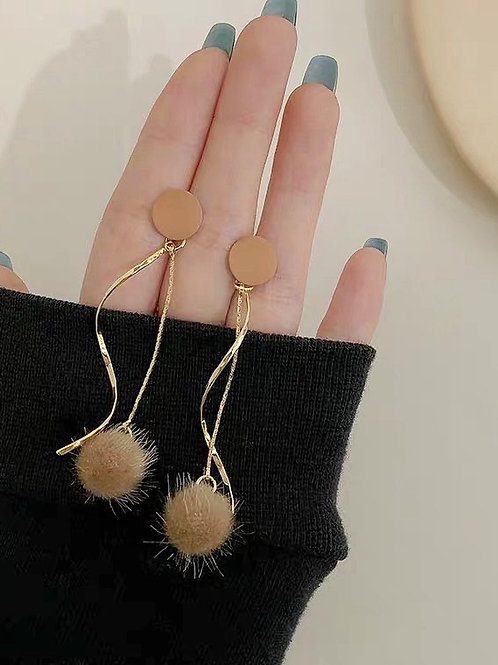 ER029 925銀針復古毛毛球耳環