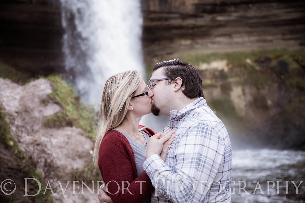 Engagement Portraits | Minnehaha Falls | MN | Davenport Photography