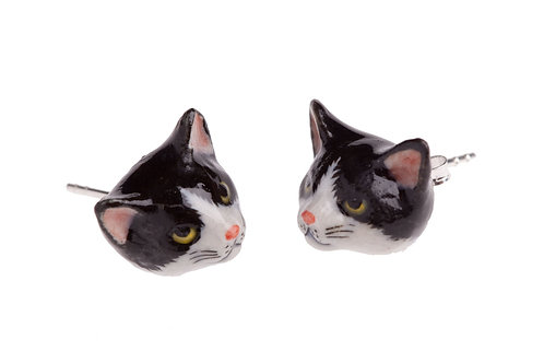 Puces d'oreilles chat