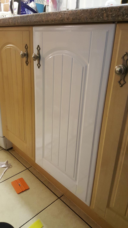 Kitchen Cupboard Door in Gloss White