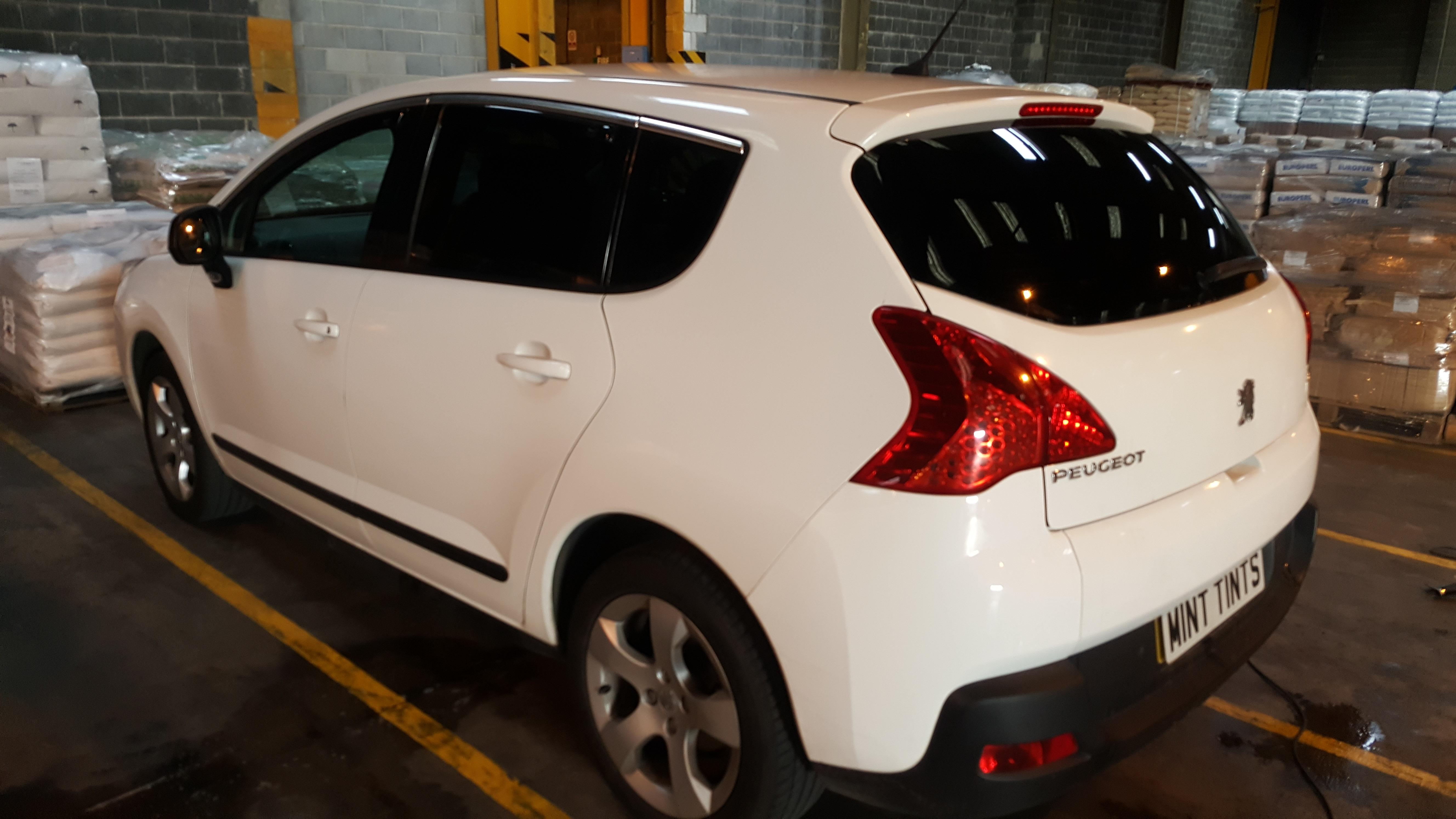 Peugeot 3008 - 20% Dark Smoke Tint