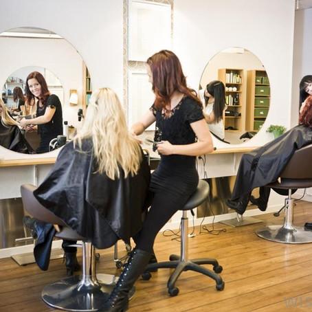 Prática comum descoberta por Procon em salões de beleza é perigosa para mulheres