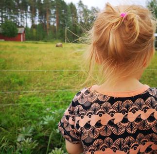 Kertakäyttöpolitiikka vie tulevaisuuden lapsiltamme