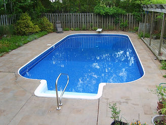 A swimming pool after a new Tara vinyl liner was installed