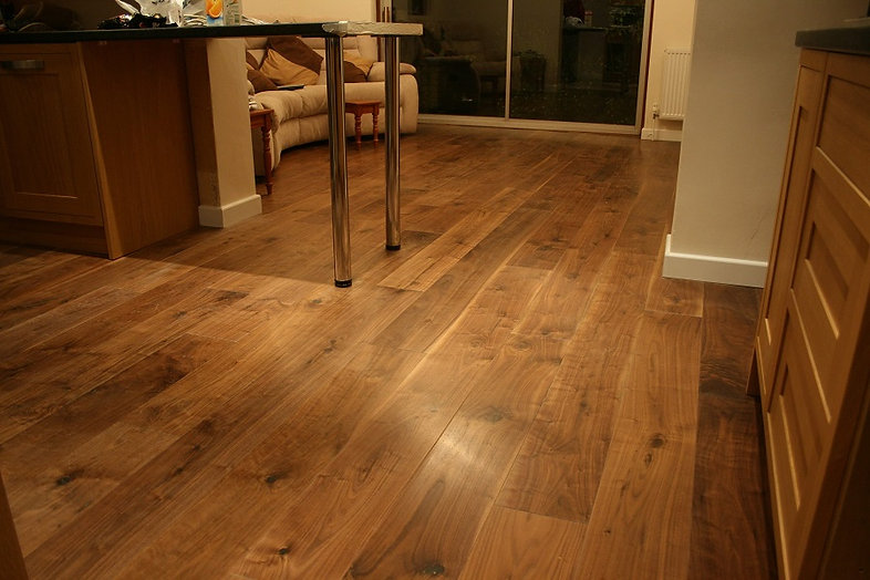 Roomshot of a kitchen with engineered wood flooring
