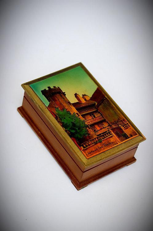 Yağlı Boya Resim işlemeli Ağaç Kutu