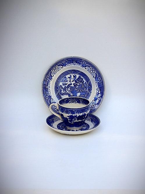 İngiliz Vintage Çay Fincanı - Trio