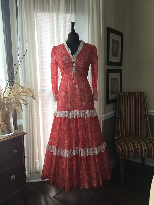 1970s Red/White Floral Maxi lace up Bust