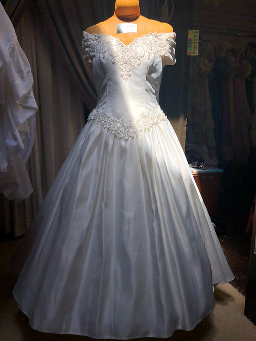 Vintage Bridal in heavy satin