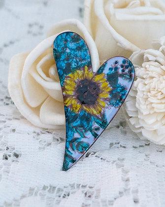 Lg. swept heart pin - Sunflower on blue