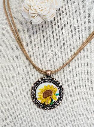 Sm. framed pendant - Sunflower on cream