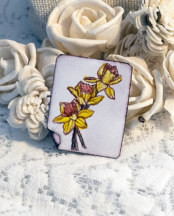 Hand-painted jewelry - Daffodil Pin