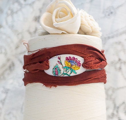 "Wrap bracelet ""Crewel flora on cream"""