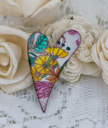 Med. swept heart pin - flora on cream