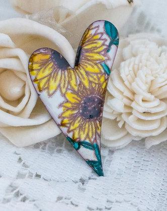 Med. swept heart pin - sunflowers on cream