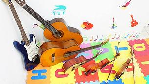 Aula de Música Sonata Curso de Música Sonata Escola de Música Sonata Violão Recife Violino Recife Guitarra Recife Canto Recife Técnica Vocal Recife Saxofone Recife