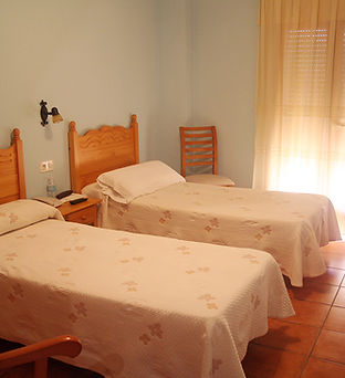 Hotel-castellote-habitacion-doble-estandar-3.jpeg