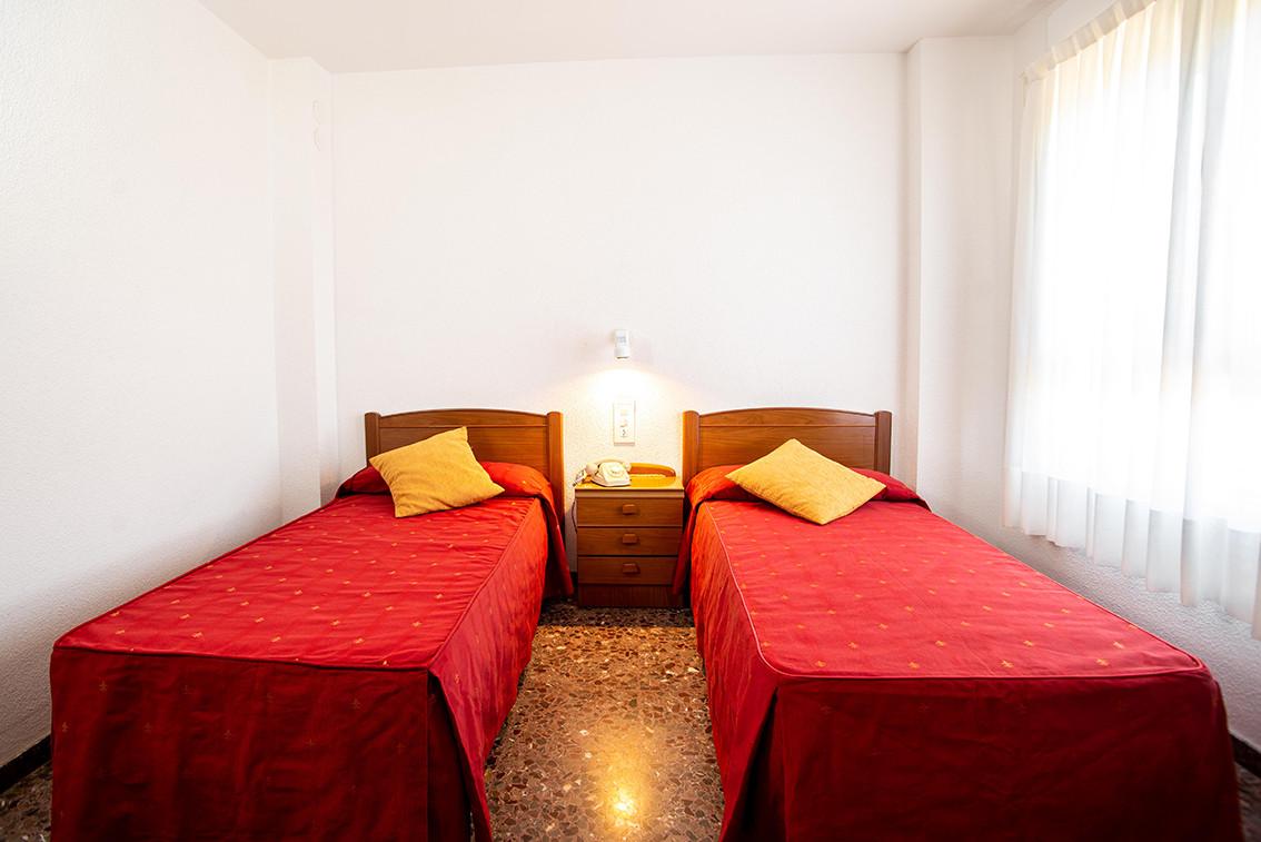 hotel_roig_habitaciones_04.jpg