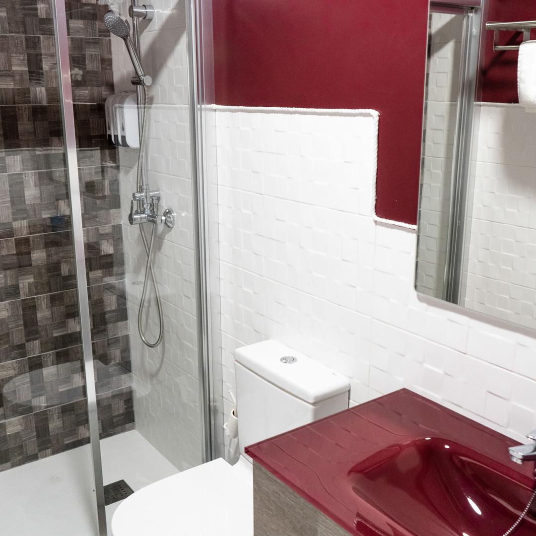 Apartamentos las suertes, la dehesa baño