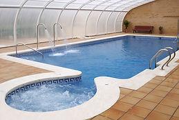 foto pack AVENTURA EN FAMILIA_piscina_w