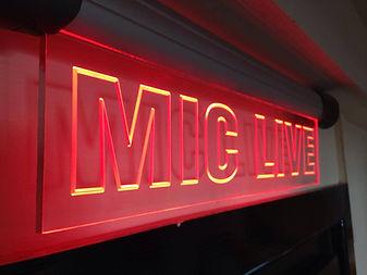 Mic Live.jpg