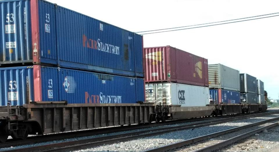 Containers railroad.jpg