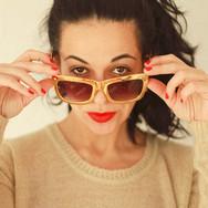 Mujer con gafas de sol