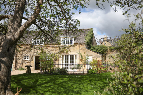 Beautifully tucked away in the middle of Charlbury Town