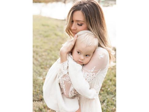 MOTHERHOOD EVENT | 2019 SESSION DETAILS | SARASOTA FAMILY PHOTOGRAPHER