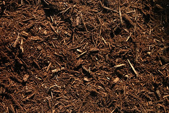 Triple-Shredded-Hardwood-Bark-Mulch1-570