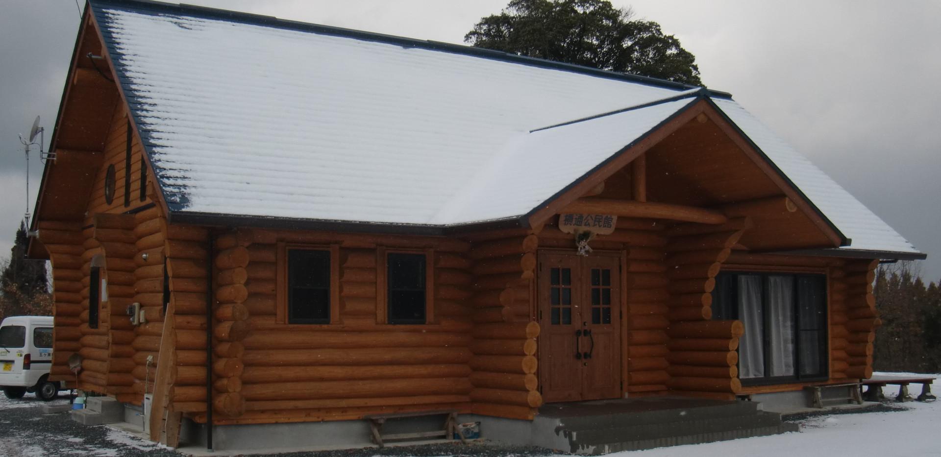 雪の日の公民館