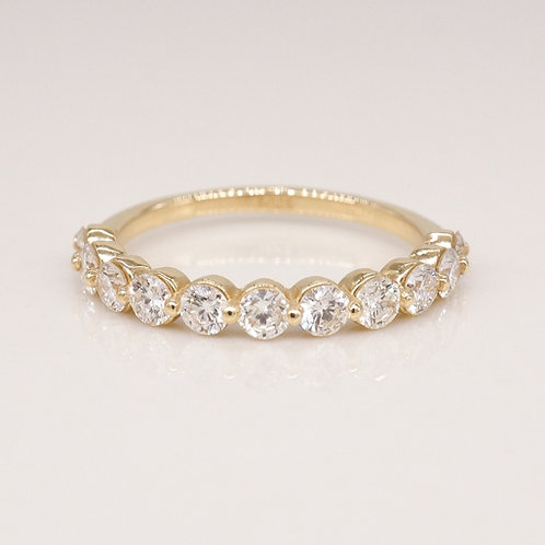 Single Shared Prong Diamond Band