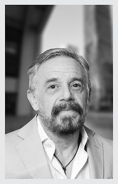 5. Roberto Carnicer.jpg