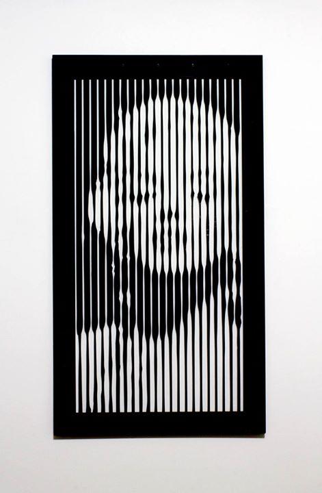 "Obra_ ""Optical Art Marilyn Monroe""_Artista_ RUDI SGARBI_Técnica_ Recorte eletrônico em Acrílico 4mm_"