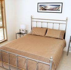 Cabernet Cottage Bedroom 1