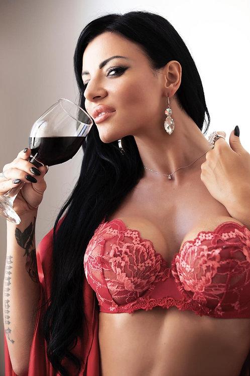 """I vini di Amandha Fox """"Rosso Passione"""" e """"Bianco Vergine"""""""