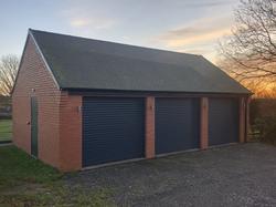 Triple garage Longsdon