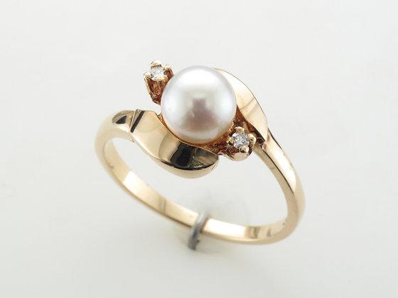 Pearl & Diamond Ring, 14k Yellow Gold